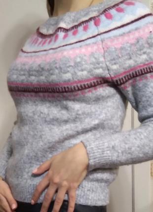 Натуральный свитер от бренда gap