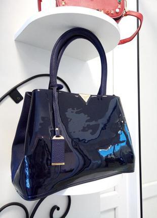 Синяя женская сумка, лаковая, каркасная, экокожа, качественная, темно-синего цвета
