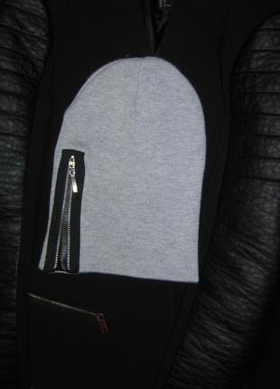Модная тонкая демисезонная шапка бини под косуху