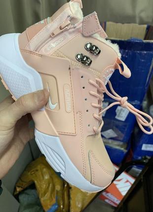 Розовые ботинки с мехом 2019 - купить недорого вещи в интернет ... fad1927462133