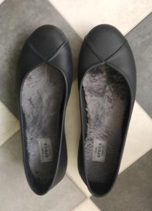 Туфли балетки с меховой стелькой от crocs