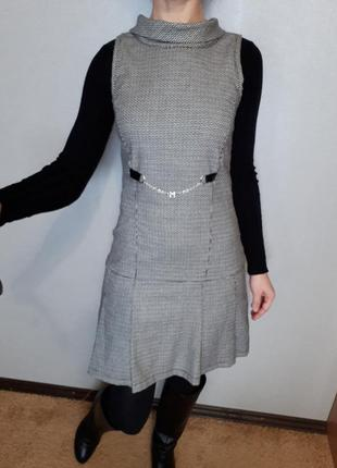 Классное платье с шерстью лана от motivi