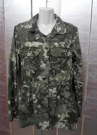 Очень классная куртка в стиле милитари  !