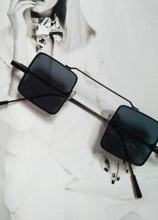Солнцезащитные очки квадрат цветной