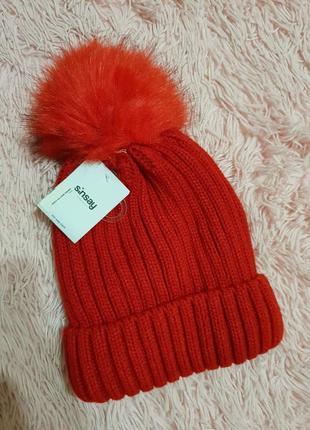 Красная зимняя шапка sinsay новая с помпоном