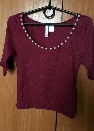 Кроп топ марсала бордовый футболка укороченная с жемчугом