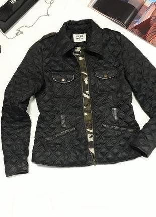 Модная куртка-ветровка от знаменитого бренда, молодежный пошив!