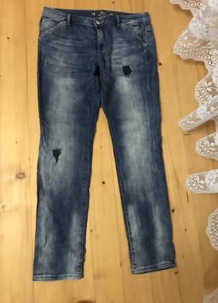 Стильные джинсы средний посадки 42р