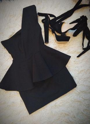 Полная ликвидация товара!!!черное платье с баской на одно плечо