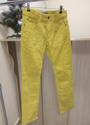 Вельветовые джинсы  kiabi ( франция ) на 7, 9,10 лет
