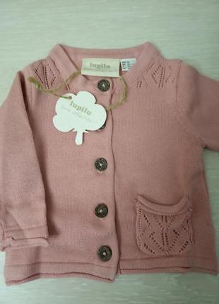 Нежно розовая вязаная кофта для новорожденного lupilu