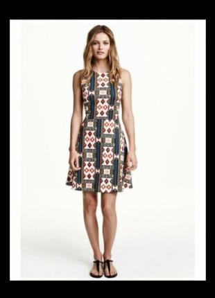 Платье стрейчевое h&m с красивым принтом