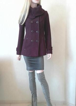 Шерстяное пальто от американского бренда