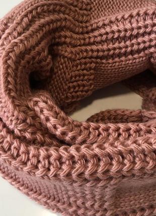 Шарф хомут вязаный розовый3 фото
