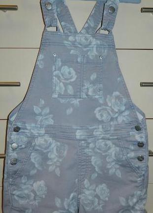 Очень стильный джинсовый комбез h&m р. 9-10 лет