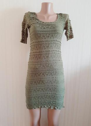 Стильное гипюровое платье по фигуре от divided by h&m