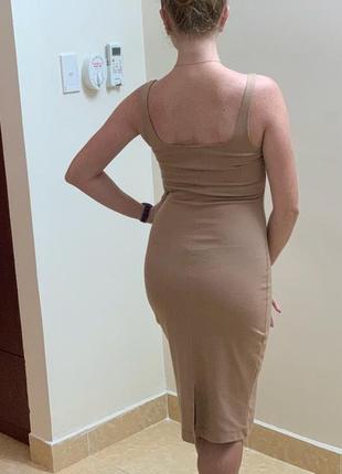Классическое платье футляр миди