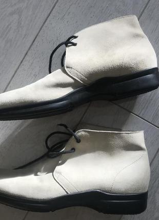 Белые мужские туфли из натуральной замши