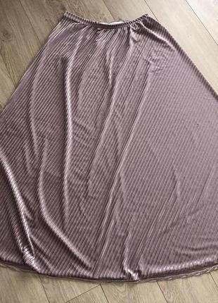 Розовая бархатная юбка