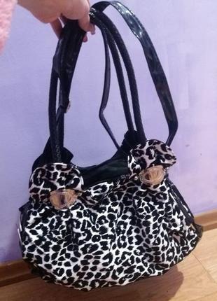 Продам стильную модную и стильную женскую сумку кожаную тканевую  лакированная 242464ffbe5