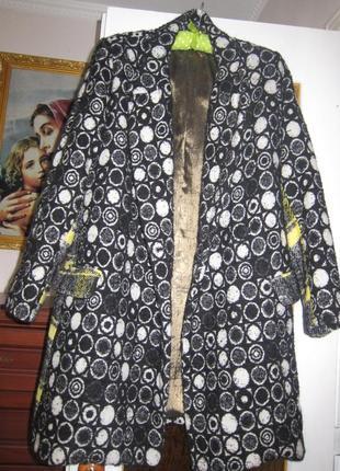 Оригінальне демисезонне  пальто desigual