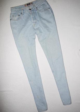 Мам джинсы голубые . высокая посадка плотный деним mom jeans