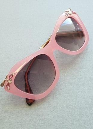 Розовые очки-кошки в стиле миу-миу