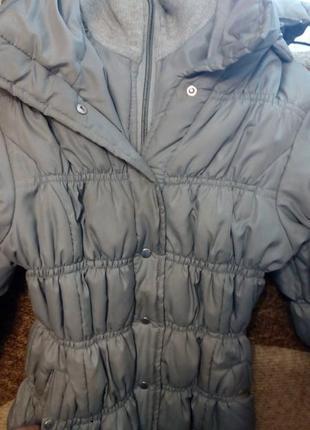 Теплая серая куртка