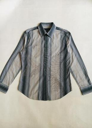 Красивая рубашка в полоску с вышивкой
