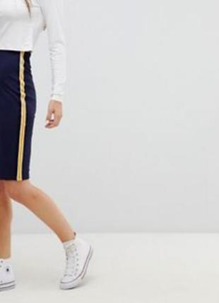 Необычная вариация классической юбки карандаш