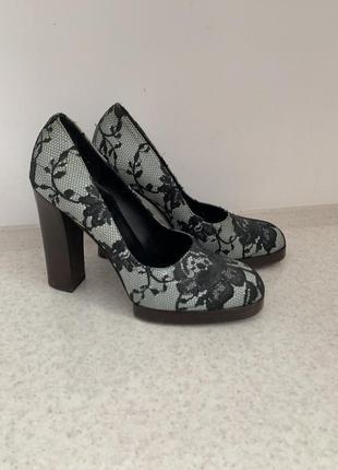 Оригинальные туфли gucci  коллекция  2017 года