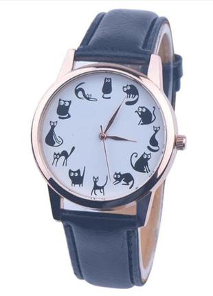 Часы кварцевые наручные с котиками и кошками черные, есть разные цвета.