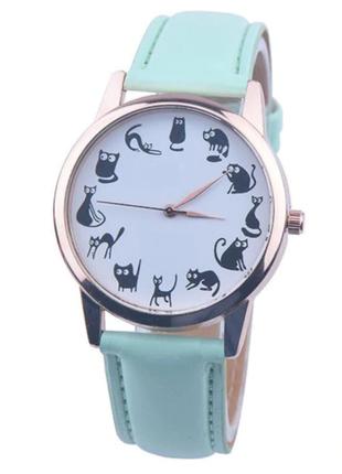 Часы кварцевые наручные с котиками и кошками, цвет мята, есть разные цвета.