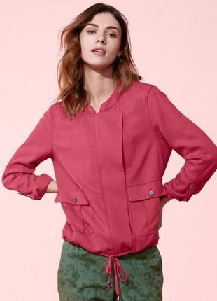 Стильная и модная куртка ветровка от tcm tchibo, германия, р-р 44 европейский (наш 50)