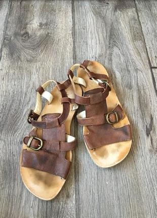 39 р. итальянские кожаные стильные сандали gidigio
