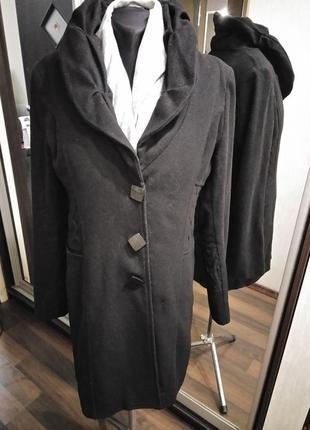 Шерстяное легкое пальто в стиле сюртук жакет