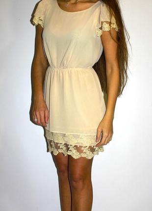 Шифоновое платье -красивое кружево ! (пог 49см)