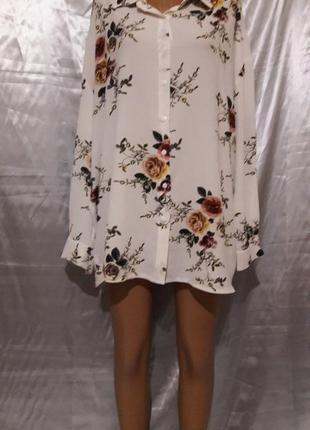 Белая блуза с рыжими розами в стиле оверсайз
