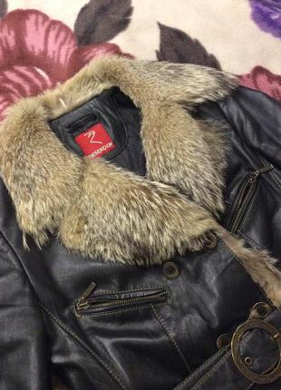 Кожанная куртка с мехом волка