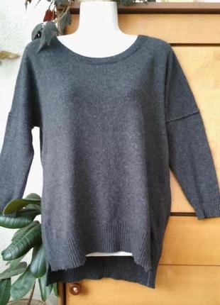 Стильный свитер оверсайз, подойдет на размеры xs, s, m, в составе хлопок и ангора