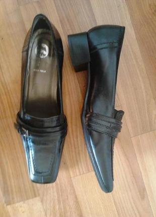 Роскошные стильные туфли лоферы,черный,100%кожа,vera pelle2 фото