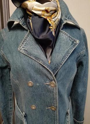 Стильный джинсовый тренч-пальто
