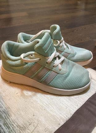 Кроссовки на девочку adidas