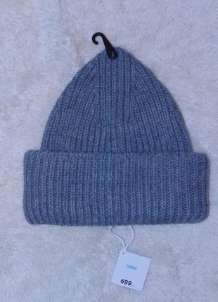 Стильная новая шапка от befree
