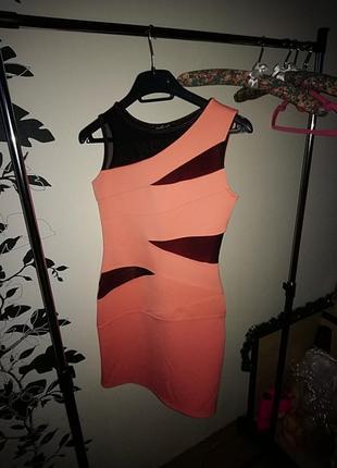 Очень красивое платье с вставками сетки