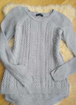 Симпатичный пуловер с удлиненной спинкой