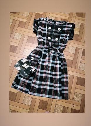 Классное клетчатое платье