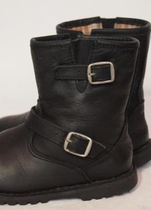 Демисезонные ботиночки ugg