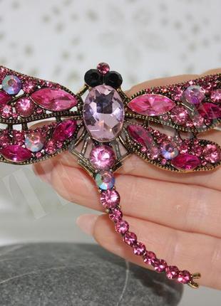 Крупная стильная брошь розовая стрекоза. брошка.