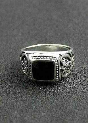 Мужской перстень с черной эмалью. размер 21.